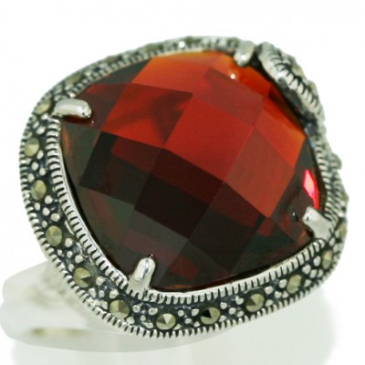 Marcasite Ring (Mcm) Chess Cut Garnet Cubic Zirconia Cushion Dome with Marcasite T