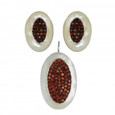 Sterling Silver Pendant 28X18mm+Earring 20X14mm White Mother of Pearl Oval with Garnet C